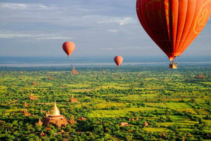 在缅甸蒲甘坐热气球的体验