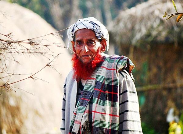 印度男子兴起染胡子热潮 都市型男清爽形象已过时
