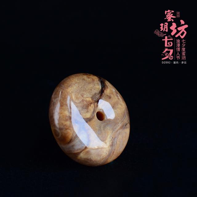 缅甸琥珀中的珍品——根珀