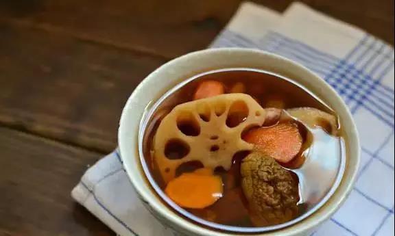 学做素食莲藕养生汤