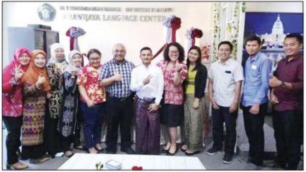 缅甸学生获得印尼大学的全额奖学金在印尼继续深造