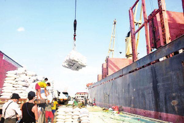 """缅甸军方""""接管政权""""后已出口555多万吨的农产品"""