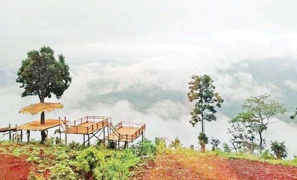 缅甸掸邦北部瑙秋县区的云海景色