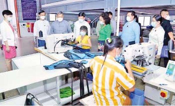 仰光工业区内已有一成衣厂生产救生衣
