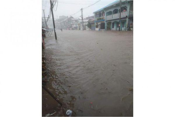 毛淡棉在内的孟邦部分镇区暴雨成灾