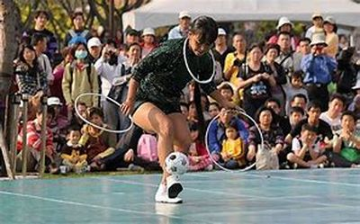 五绝•缅甸人踢藤球(晨阳、苏文银、林郁文、朱云、戴光明)